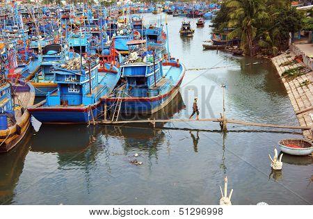 fishing boat anchor at fishing port