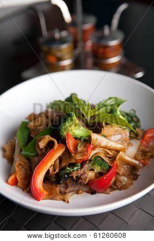 Pad Kee Mao Thai Dish