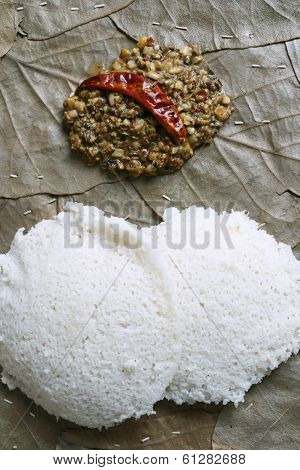 Idli Molagapodi is a breakfast dish from India