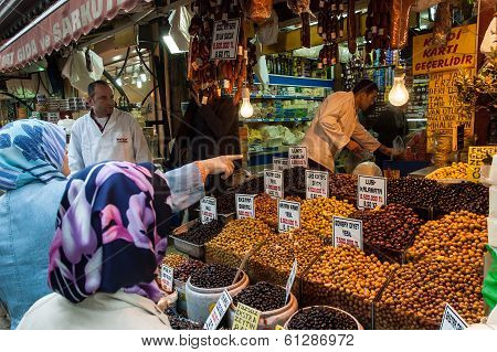 Buying Olives In Istanbul