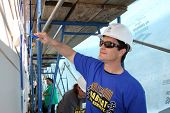 LOS ANGELES - MAR 8:  Rick Hearst at the 5th Annual General Hospital Habitat for Humanity Fan Build