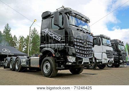 New Mercedes-benz Arocs Heavy Duty Trucks