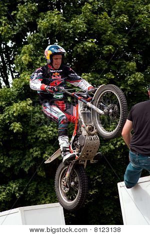 Dougie Lampkin Performing At Goodwood Festival Of Speed