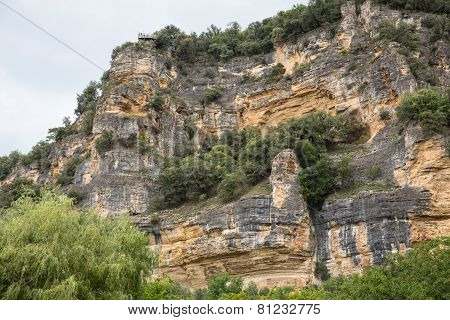 Cliffs along the Dordogne