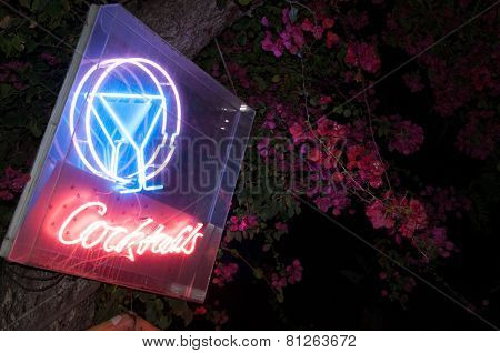 Neon sign COCKTAIL