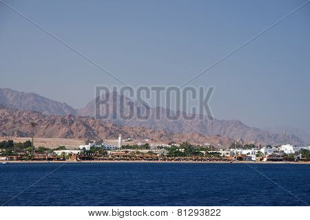 city in egypt with mountains