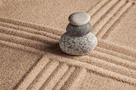 picture of garden-art  - Japanese Zen stone garden  - JPG