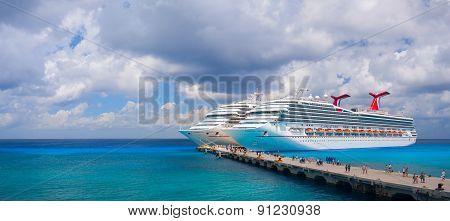 Large cruise ships Carnival