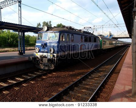 Skierniewice train at the station.