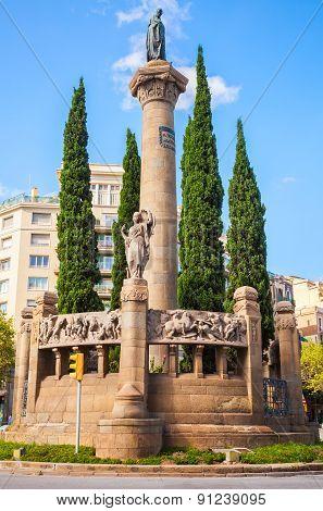 Monument A Mossen Cinto Verdaguer