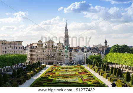 Brussels, Belgium - May 12, 2015: Kunstberg Or Mont Des Arts (mount Of The Arts) Gardens In Brussels