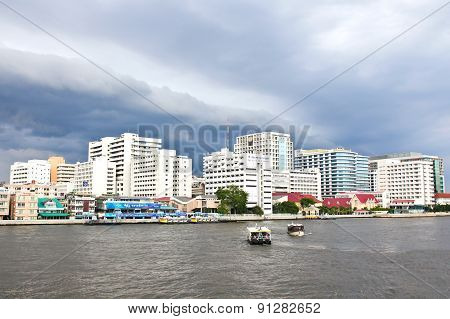 Bangkok - May 17, 2015: Siriraj Hospital Is The First Hospital And Medical School In Thailand