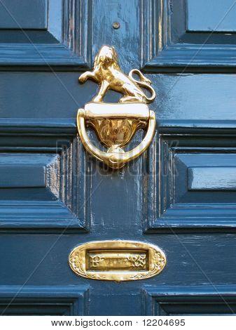 Porta da frente do histórico York Mansion House.