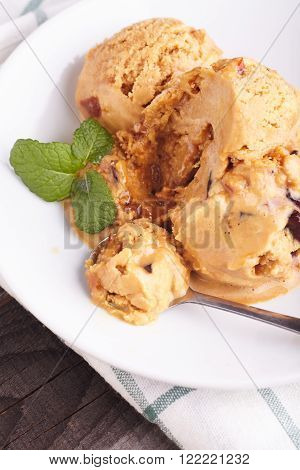 Homemade caramel toffee ice cream