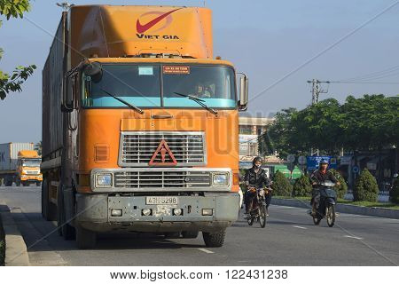 DA NANG, VIETNAM - JANUARY 05, 2016: Heavy American mainline truck International-9800 is going on the road