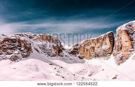 winter dolomites powder snow skiing south tyrol mountains