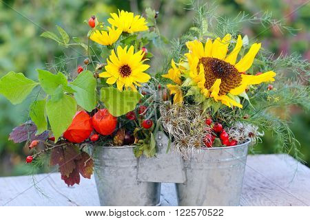 a sunflowers Autumn arrangement Duo in Autumn