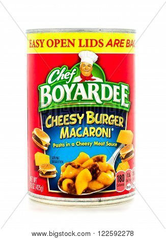 Winneconne WI - 3 February 2015: Can of Cheesy Burger Macaroni by Chef Boyardee. Chef Boyardeee has been enjoyed by everyone since 1928.