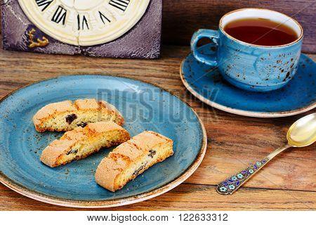 Kantuchchi with Almonds and Raisins, Biscotti Studio Photo