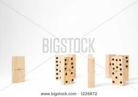 Domino-outcast