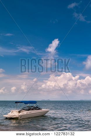 Motor boat on the beach in samuithailand ** Note: Visible grain at 100%, best at smaller sizes