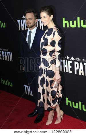 LOS ANGELES - MAR 21: Aaron Paul, Michelle Monaghan at the Premiere of 'The Path' at Arclight Hollywood on March 21, 2016 in Los Angeles, California