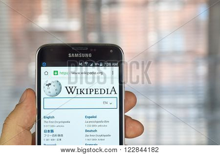 MONTREAL CANADA - MARCH 20 2016 - Wikipedia mobile application on Samsung S5's screen. Wikipedia is an online encyclopedia.