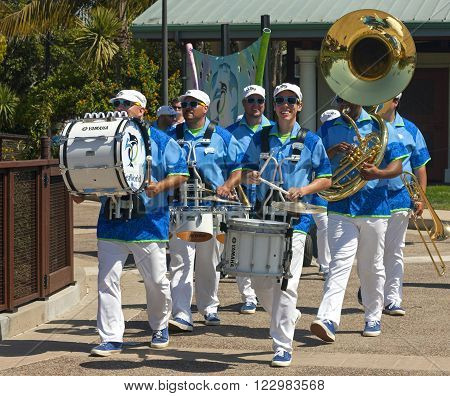 SAN DIEGOUSA - APRIL 15,2014 :A group of unknown musicians in SeaWorld of San Diego,California,Usa on April 15,2014