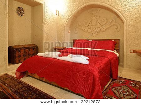 Alcove Archway Bedroom Layout Red Bedspread