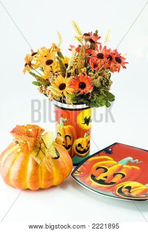 Hallowwen Flowers With A Pumpkin And Hallowween  Plate