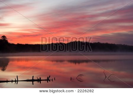 Sunrise Pete'S Lake