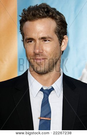 LOS ANGELES - AUG 1:  Ryan Reynolds arriving at