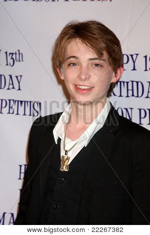 LOS ANGELES - JUL 31:  Dylan Riley Snyder arriving at the13th Birthday Party for Madison Pettis at Eden on July 31, 2011 in Los Angeles, CA