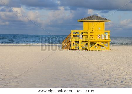 Lifeguard Hut Yellow