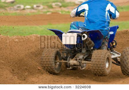 Nahaufnahme von Atv Motorrad Kurvenfahrt