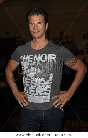 BURBANK, CA - APR 22: Lorenzo Lamas at The Hollywood Show held at Burbank Airport Marriott on April 22, 2012 in Burbank, California