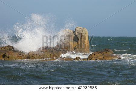 chrushing waves