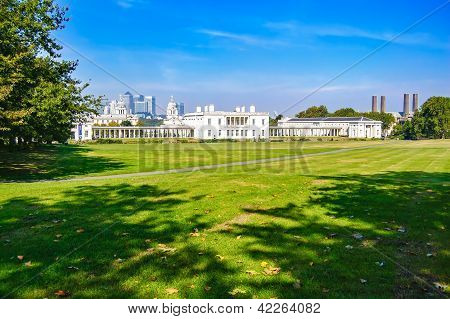 Greenwich Park, Maritime Museum And London Skyline On Background