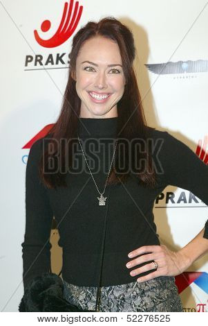 HOLLYWOOD - Lindsey McKeon arrives at the 2013 Philhellenes Gala benefiting Praksis at the SkyBar on October 9, 2013 at the Mondrian Los Angeles, West Hollywood, CA.