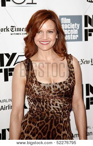 NEW YORK- OCT 8: Actress Carla Gugino attends the premiere of
