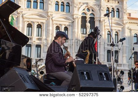 Clarinetist, Omar Sosa Quartet