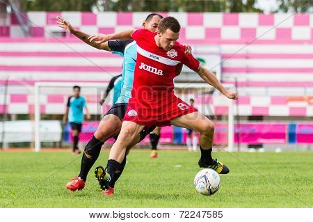 Sisaket Thailand-september 17: Brent Mcgrath Of Sisaket Fc. In Action During Unofficial Friendly Mat
