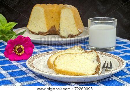 Freshly Baked Bundt Cake