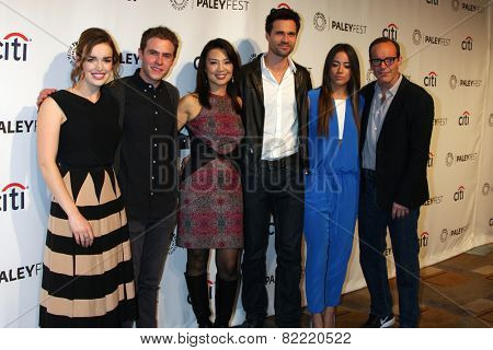 LOS ANGELES - MAR 23:  Elizabeth Henstridge, Ian De Caestecker, Ming-Na Wen, Brett Dalton, Chloe Bennet, Clark Gregg at the PaleyFEST