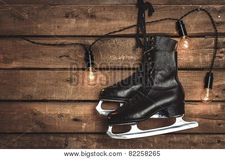 Old Black Figure Ice Skates
