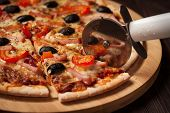 picture of meals wheels  - Pizza cutter  - JPG