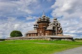 image of reconstruction  - Wooden church at Kizhi under reconstruction - JPG
