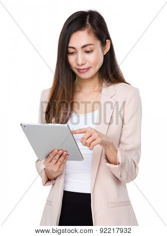 Young businesswoman use of tablet