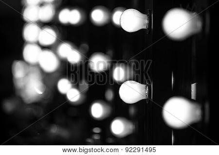 Make-up artist mirror with light bulbs