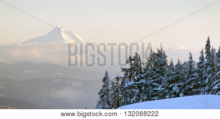Mt Jefferson North Cascades Oregon Mountain Range Alpine Forest